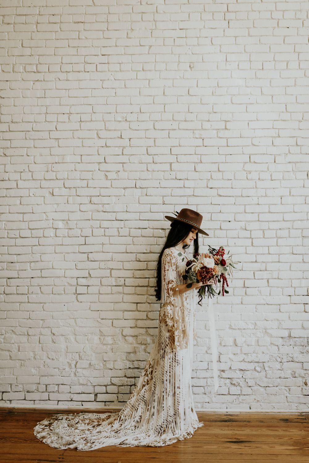 Indie boho bride intimate wedding photographer in austin tx