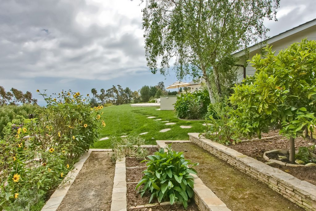 PV Real Estate - Ruth and Raine - 25 Caballeros Road, Rolling Hills