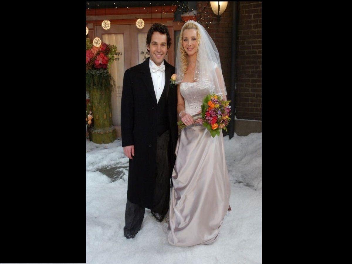 Phoebe Buffay Wedding Dress Wedding Dresses Pinterest Friends