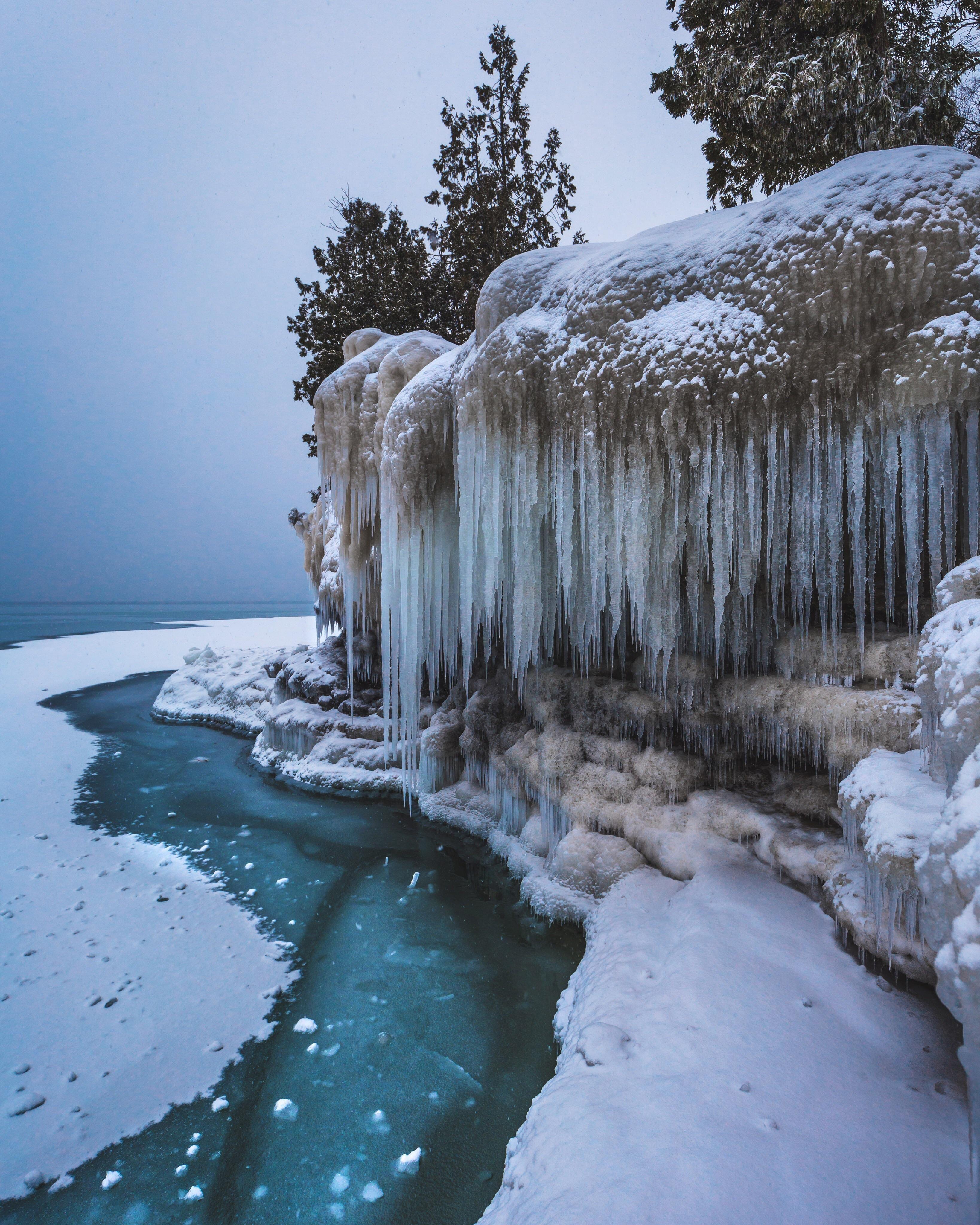 25 Ft Frozen Cliffs Off Of Lake Michigan Door County Wi Oc 3276x4096 Ig Grantplace Door County Winter Nature Photography Snow Pictures