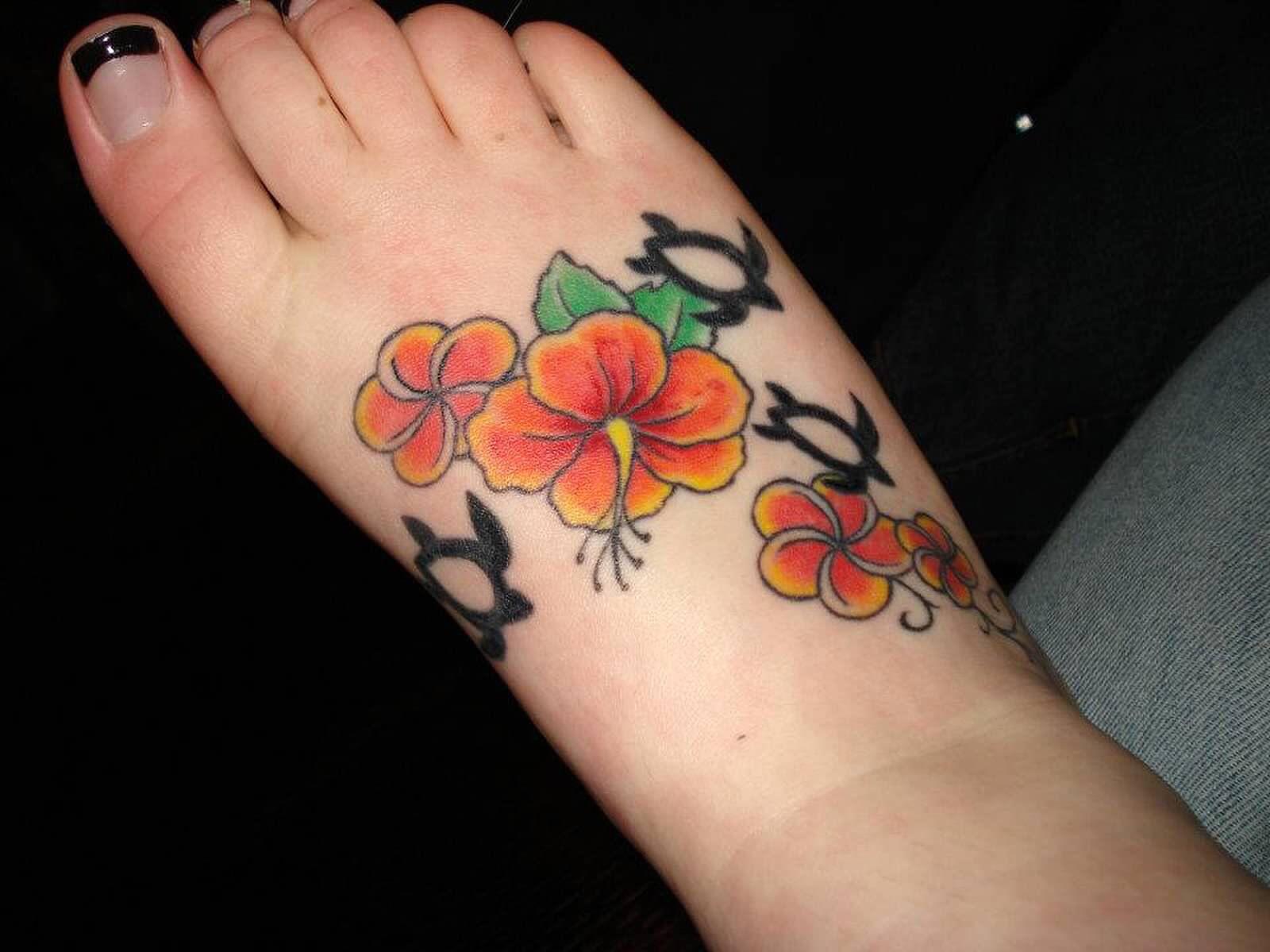 Hawaiian Foot Tattoo Done Skin Deep Hibiscus Plumerias And Honus