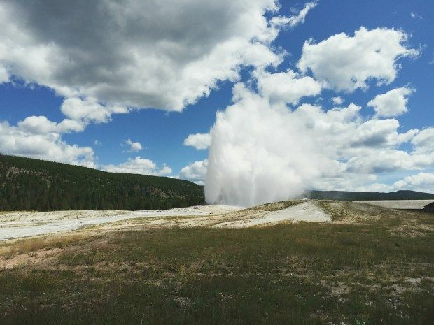 Watching Old Faithful // Yellowstone National Park