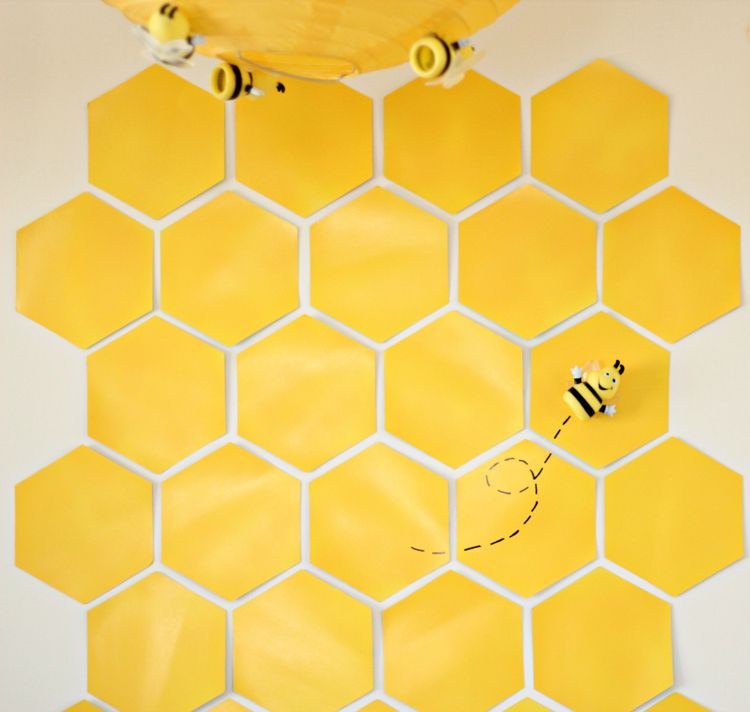 Trend Winnie the Pooh HoneyBee Baby Shower Backdrop