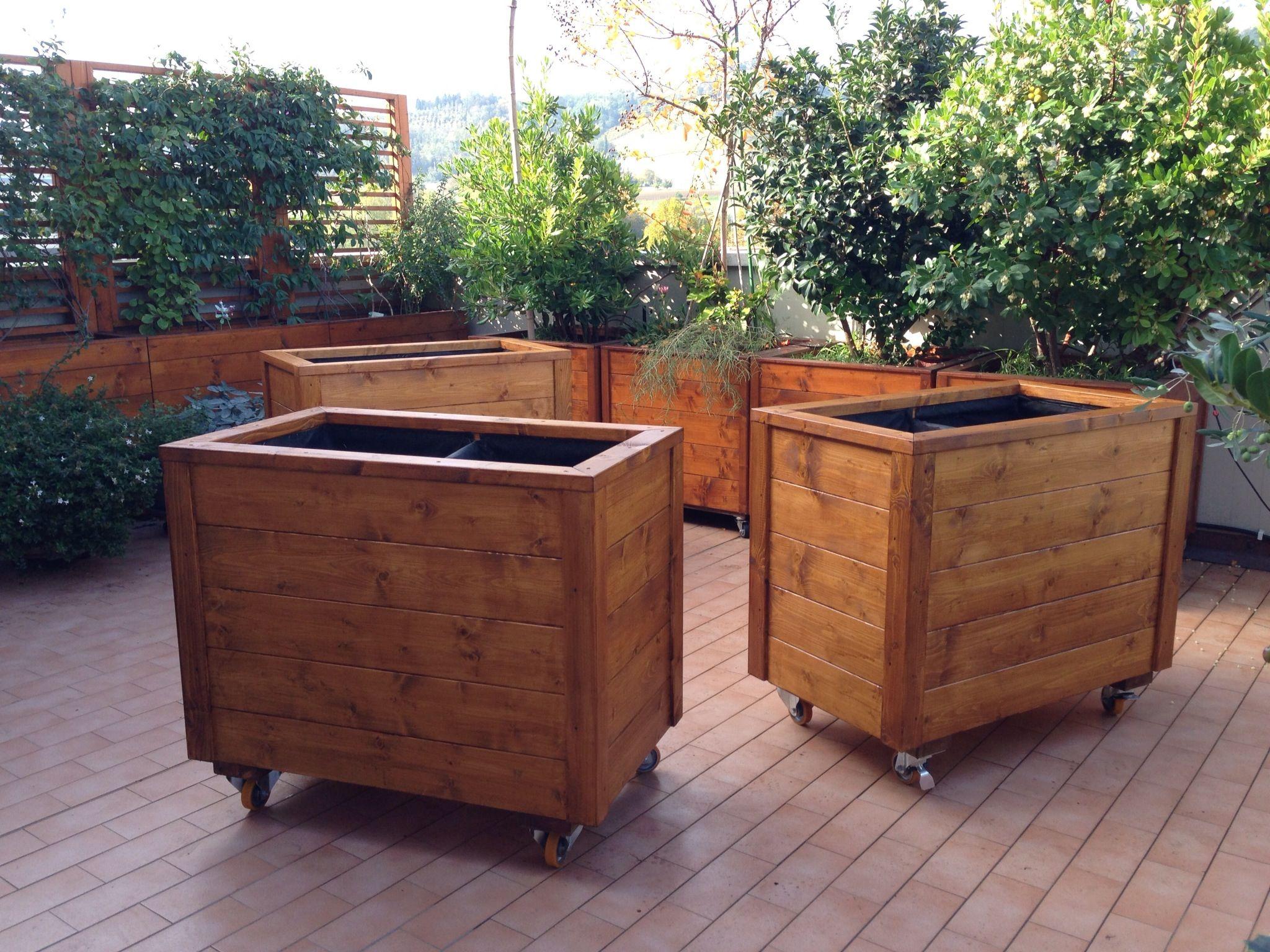 Le nostre ultime realizzazioni fioriere in legno con ruote - Portavasi fai da te ...