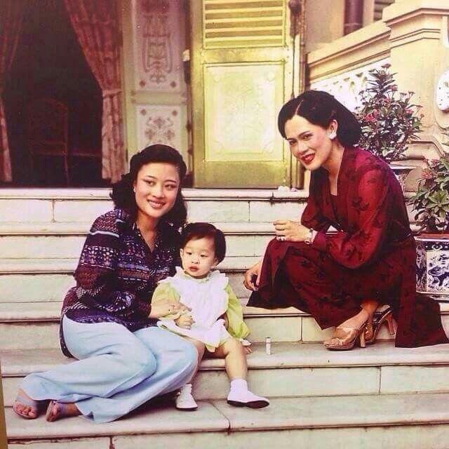 สมเด็จพันปีหลวง: Pin By Mam Kasiroj On King Rama 9 In 2019