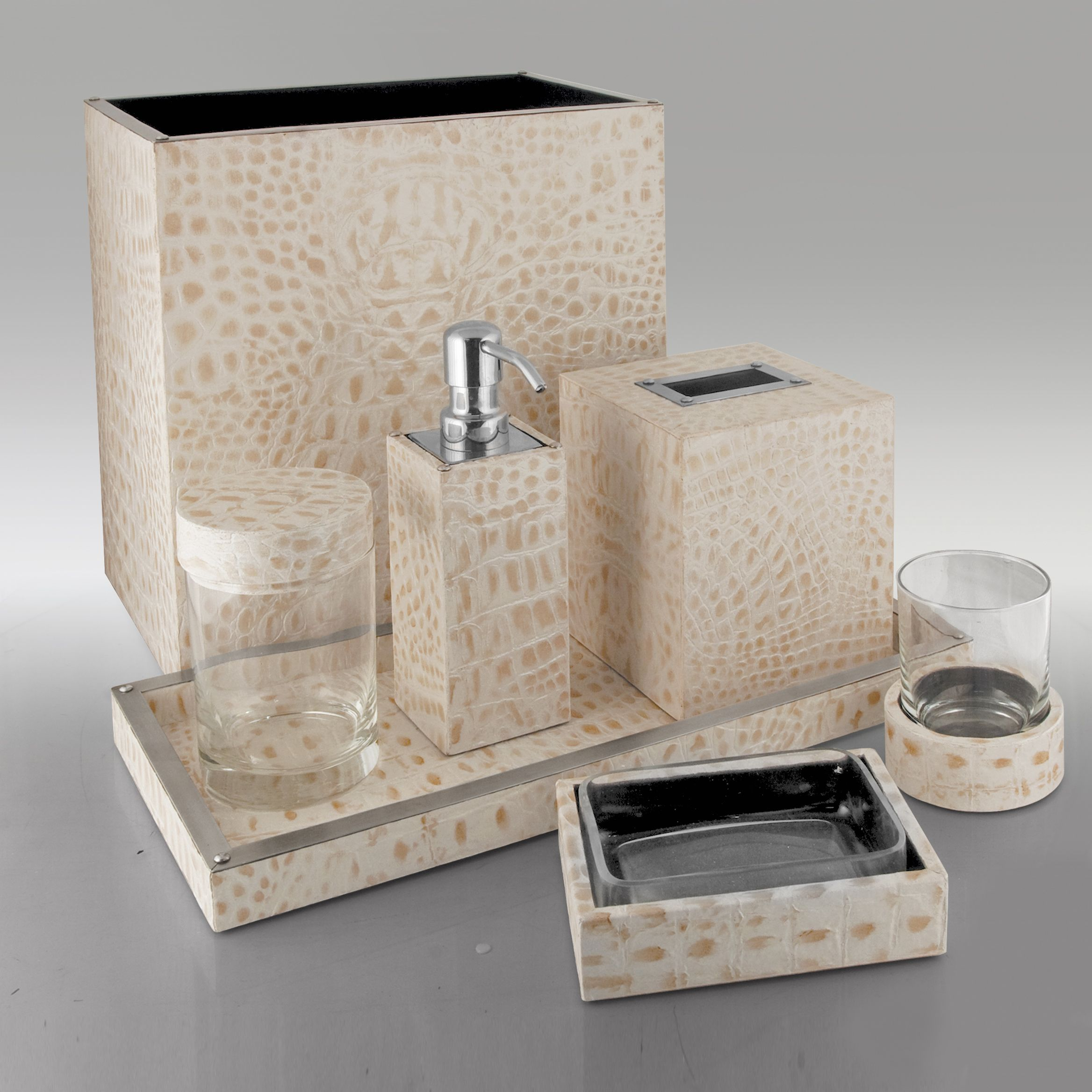 Genial Antique White Alligator Embossed Leather Bath By Gail DeLoach.