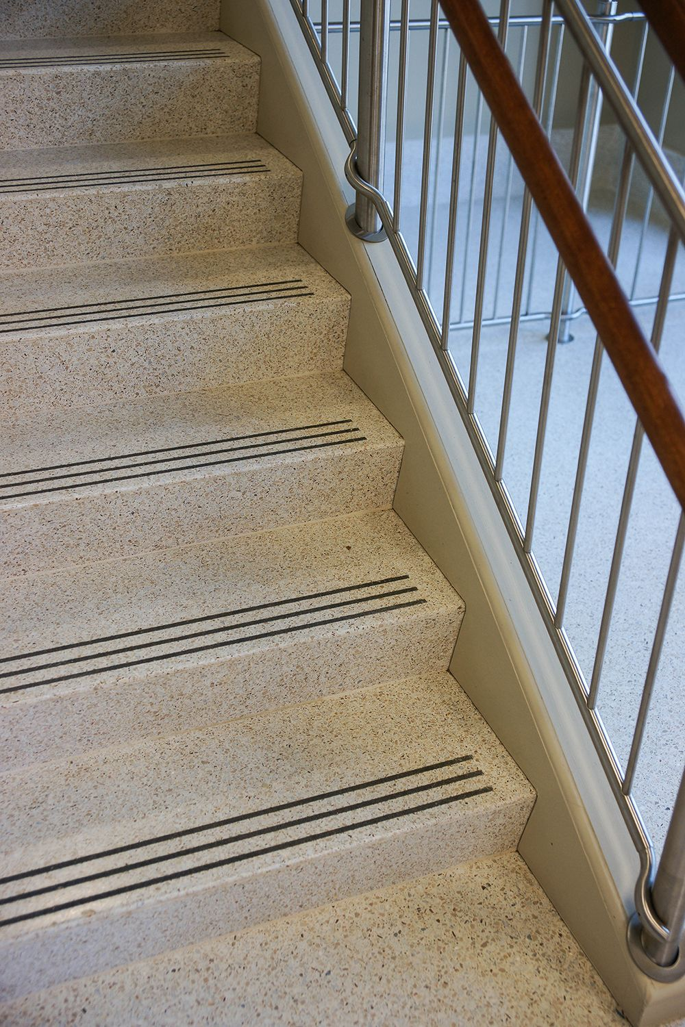 Best Image Result For Poured Concrete Stairs With Abrasive 640 x 480