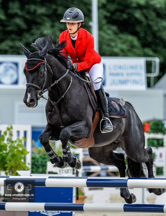 Iman Perez Saut D Obstacles Vetements Equestres Photographie Equestre