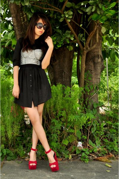 #Silver Bustier  Black Skirt  RED Shoes  black dresses #2dayslook #new style #blackstyle  www.2dayslook.com
