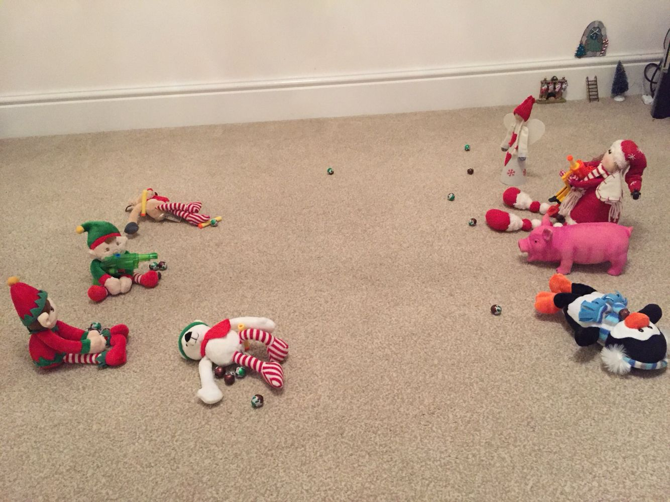 Fighting the #christmas toys #elfontheshelf