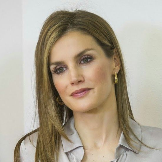 Since enthronement Queen Letizia has not worn her wedding ring nor