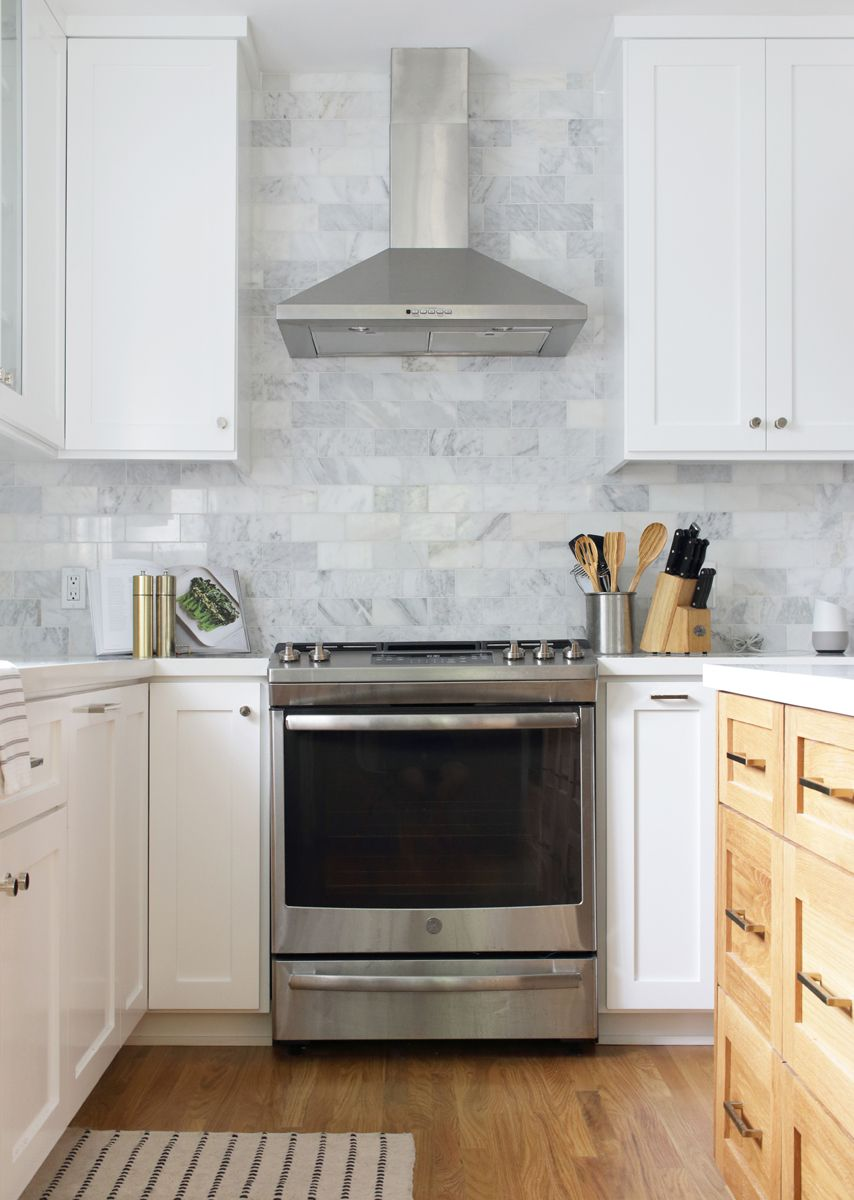 Before And After A Water Damaged L A Kitchen Gets An Unbelievable Makeover Bay On A Budget In 2020 Classic White Kitchen Kitchen Inspirations Kitchen Renovation