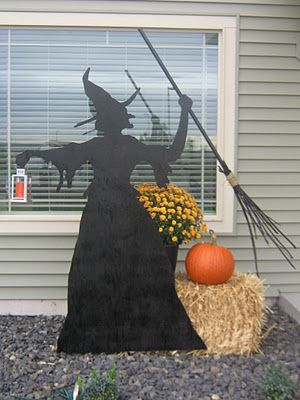Wonderful 25 Witch Halloween Crafts (DIY Witch Ideas)