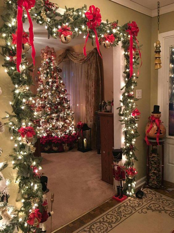 10 Christmas Party Decorations Diy Ideas Diy Christmas Decorations Easy Classy Christmas Christmas Apartment