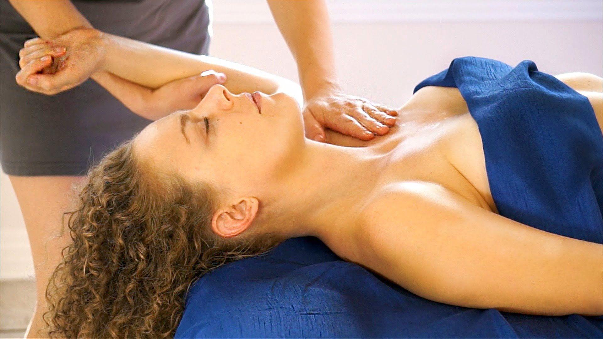 A Sensual Massage best relaxation upper body massage therapy. swedish massage