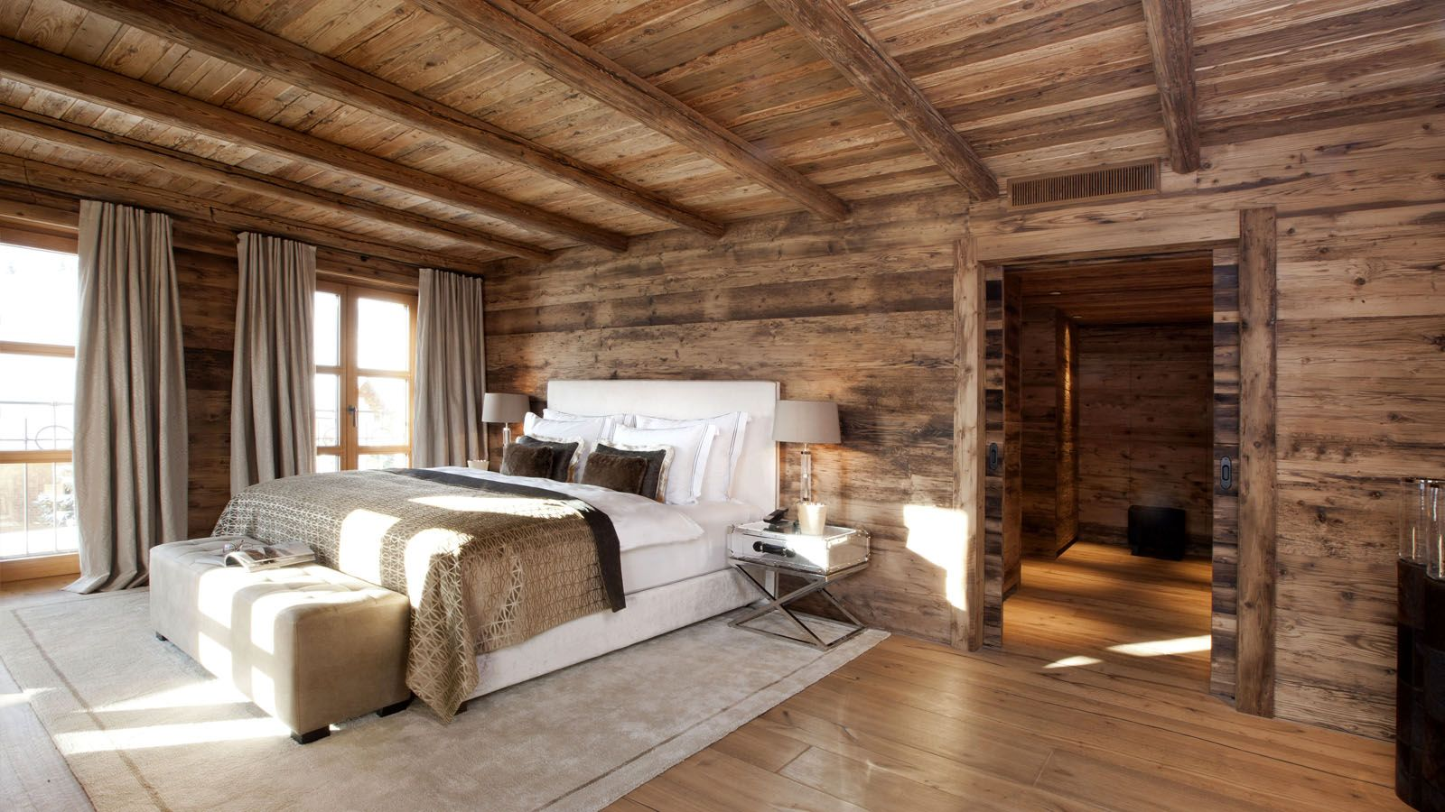 Suites chalet n oberlech living rooms pinterest for Mobili piu