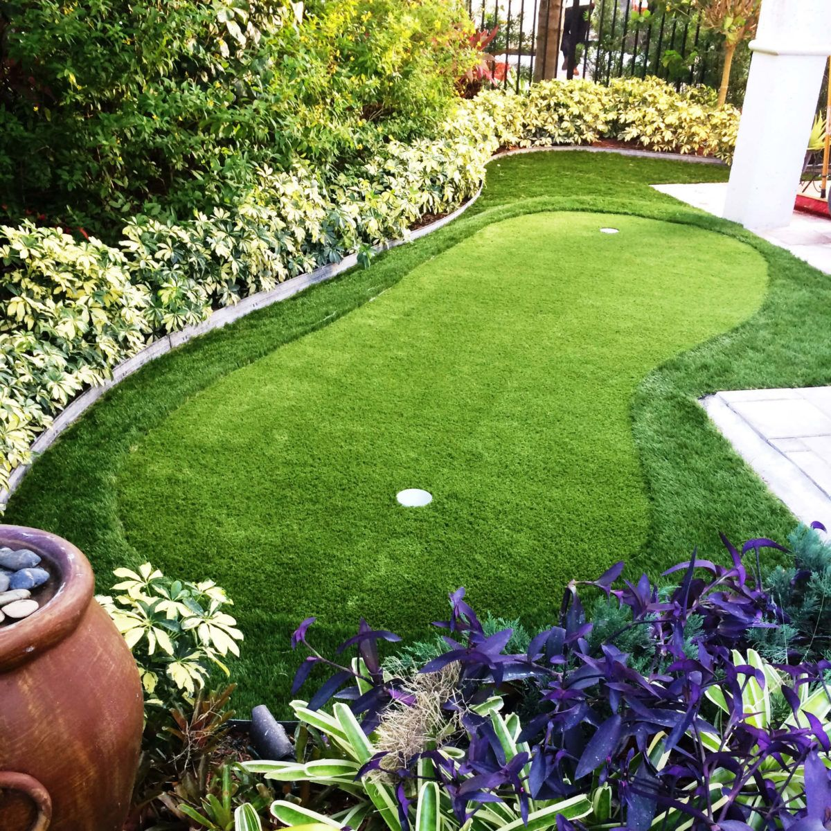 19 Crazy Cool Backyard Putting Greens | Backyard putting ...