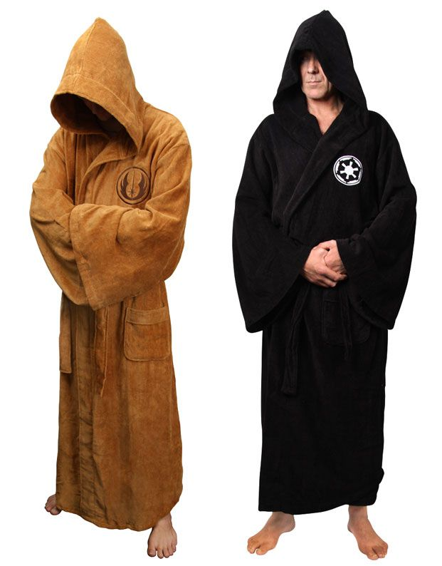 Jedi and Sith bathrobes are now available at the Star Wars store ...
