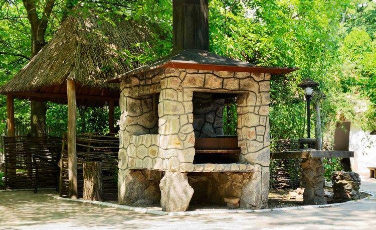 Barbecue en pierre pour équiper la cuisine d\u0027été en 35 idées - Cuisine D Ete Exterieure En Pierre