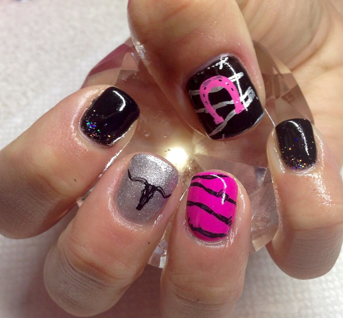 Hot pink, black & silver Cowgirl horseshoe western longhorn & barbed wire nails  nail art - Hot Pink, Black & Silver Cowgirl Horseshoe Western Longhorn & Barbed