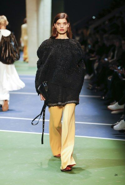 Céline Fall 2016 Ready-to-Wear Collection Photos - Vogue