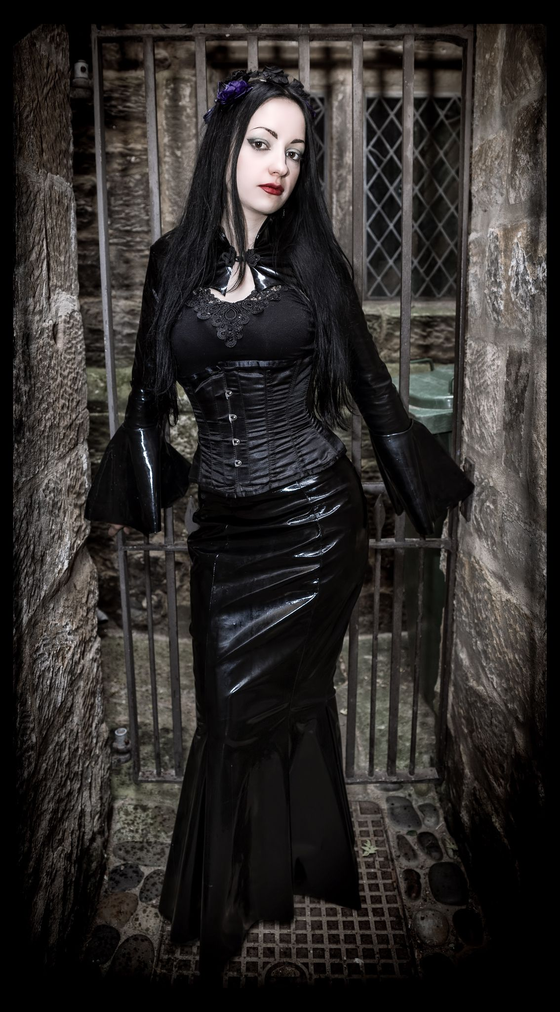 The Gothic Fashion Directory - The Gothic eZine