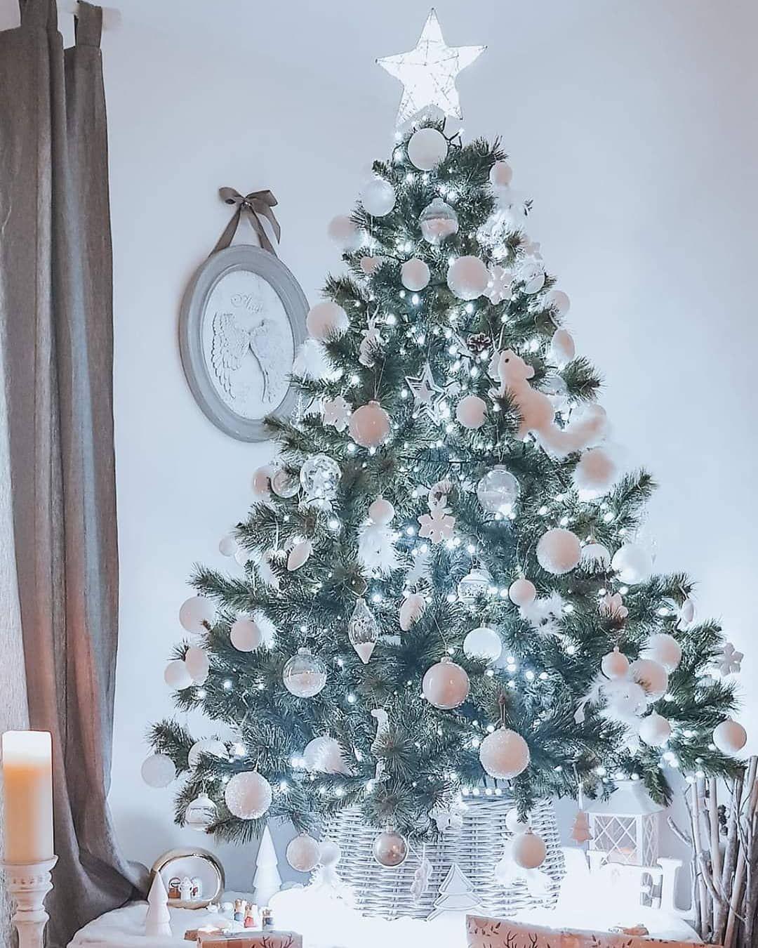 •••《Voilà nous sommes prêts, ce sera un Noël blanc pour nous 》••• #noel #christm... #Christmas #christmasdecorations #christmasiscoming #christmaslights #christmasmagic #christmasmood #christmastime