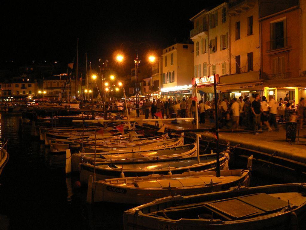 Les Bateaux Du Petit Port De Cassis La Nuit Table Decorations