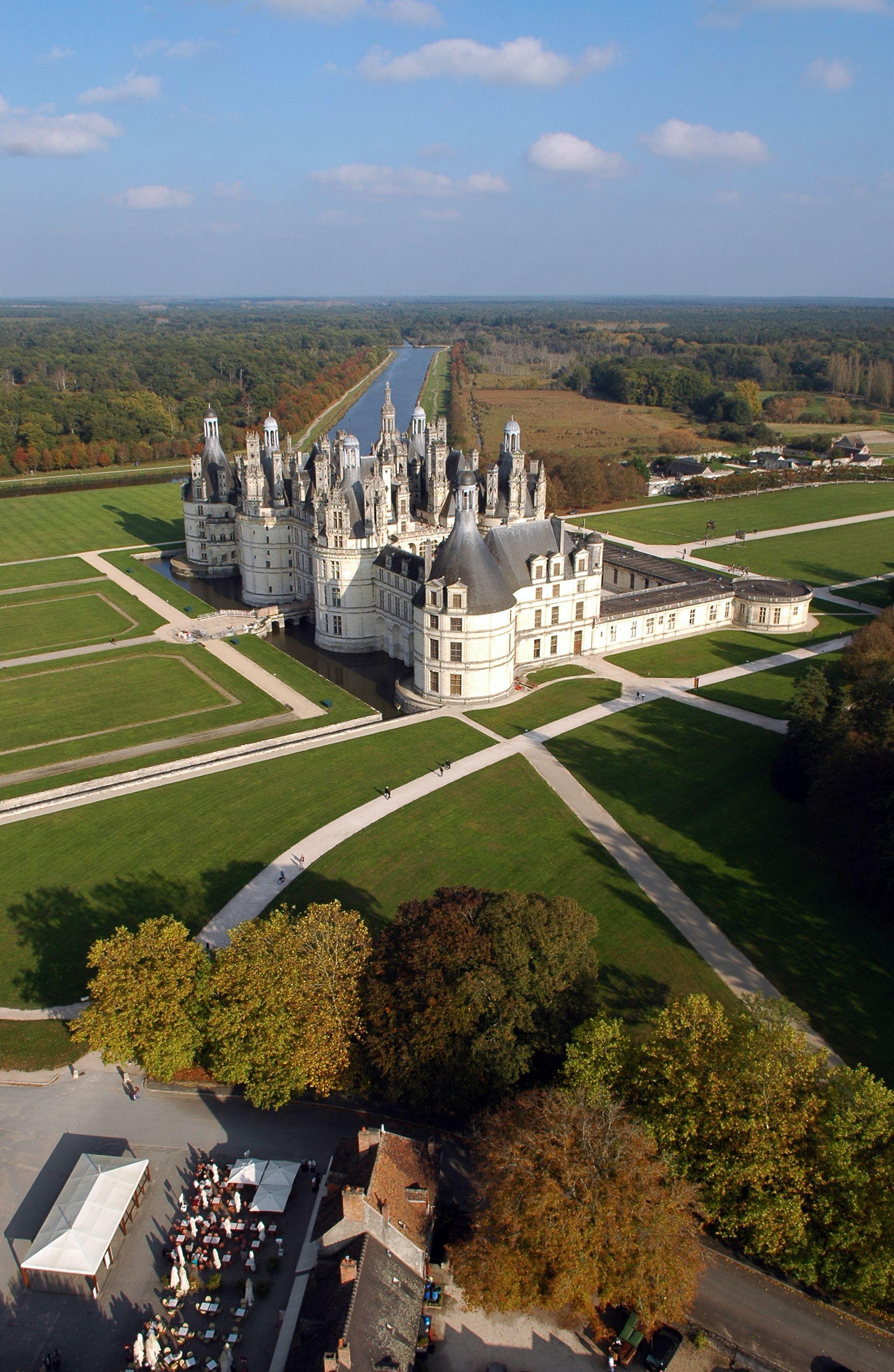 Pin By Office De Tourisme De Blois I On Chateaux De France Castle House Castle Estate French Castles