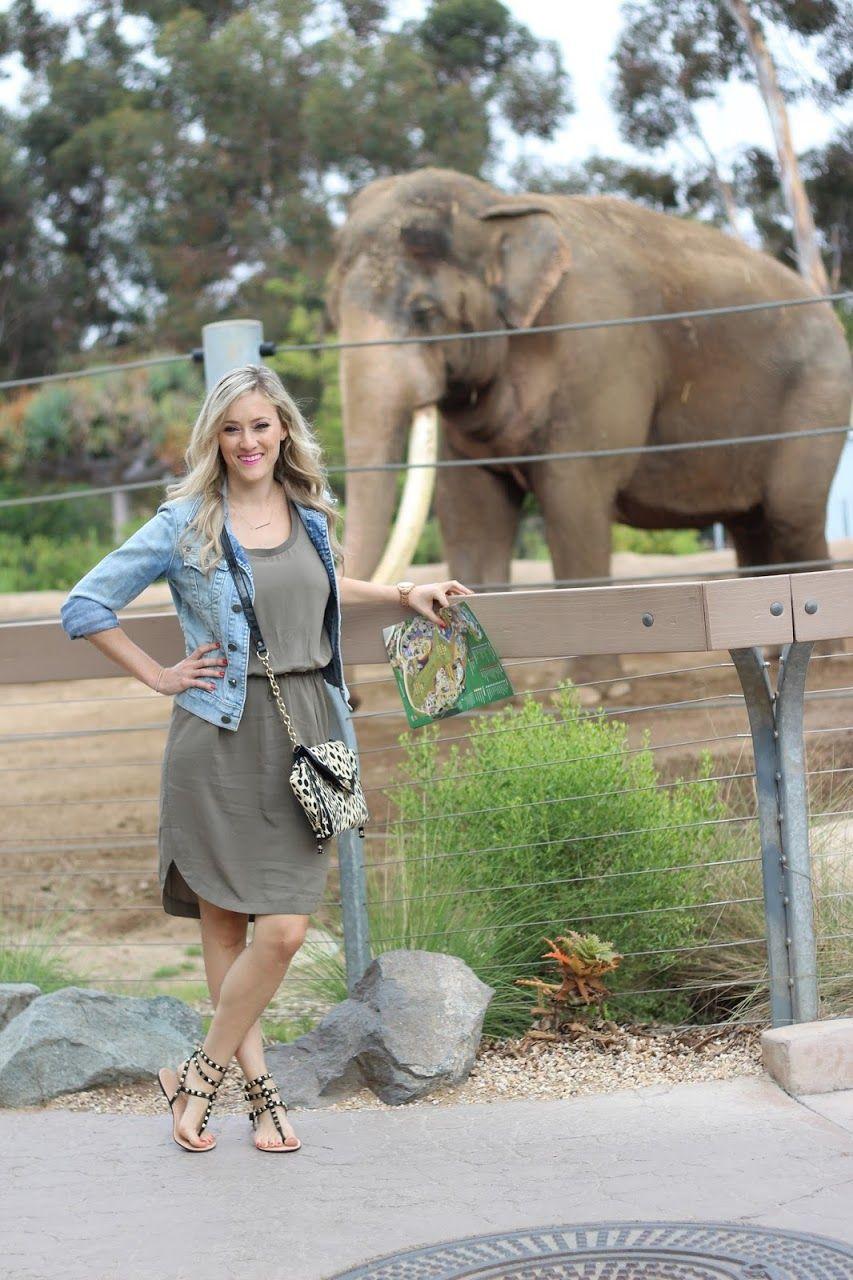 Dating Woman Zoo.