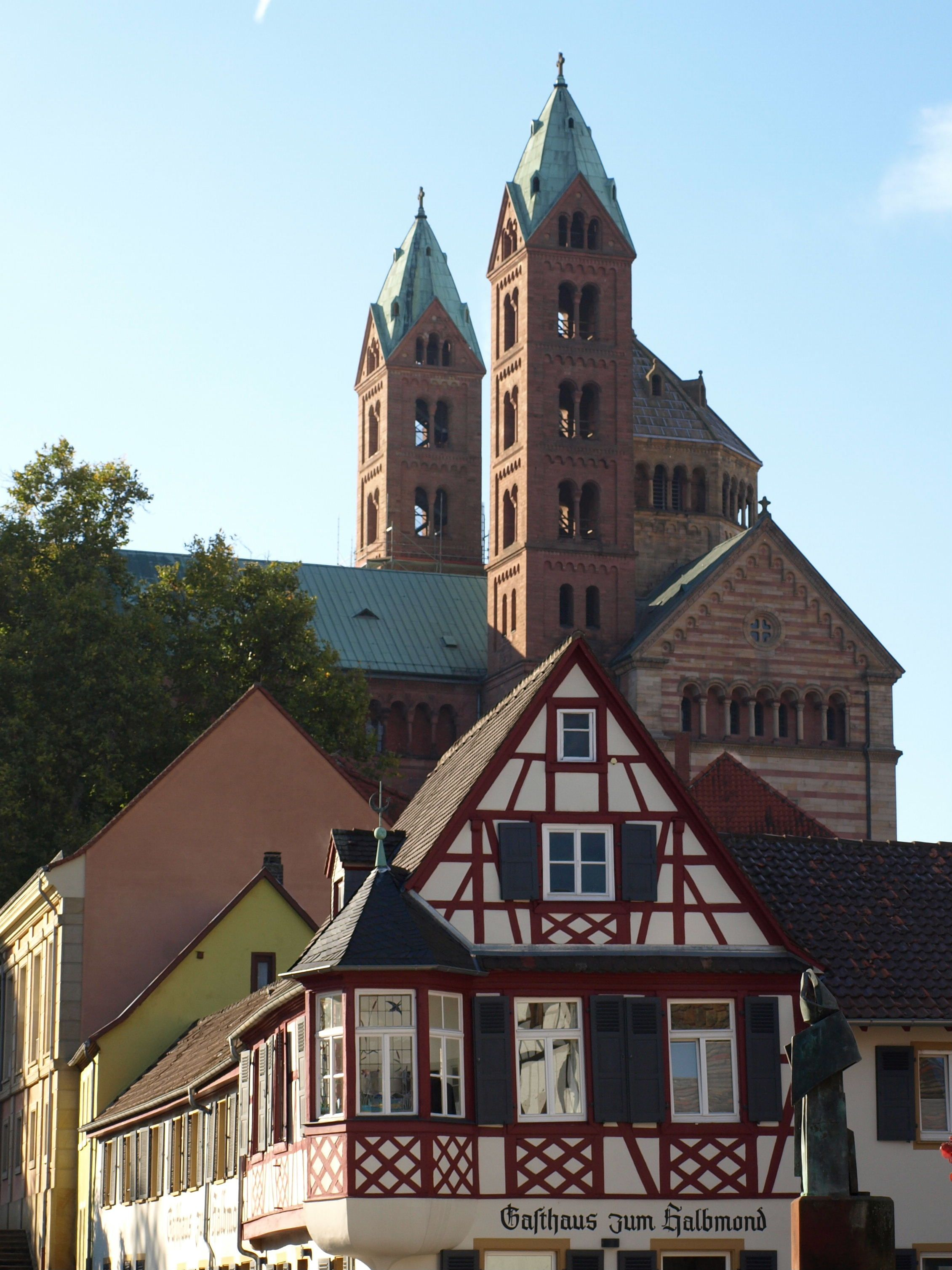 Speyer Germany With The Cathedral Towering In The Background Speyer Pfalz Deutsche Landschaft