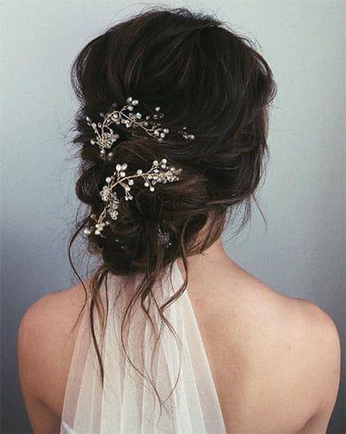 15 Griechische Frisuren Die Du Heute Versuchen Musst Um Deine Innere Gottin Zu Kanalisieren Frauen Blog Hochzeit Kopfschmuck Kopfschmuck Hochzeit Kopfschmuck Braut