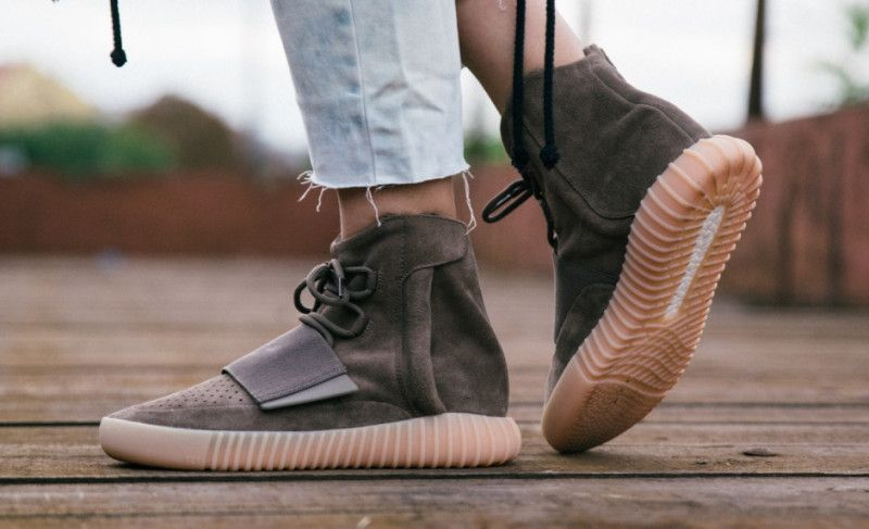 Watch out for fake Yeezy 750 Boost Chocolates when shopping online. Get a  35 point