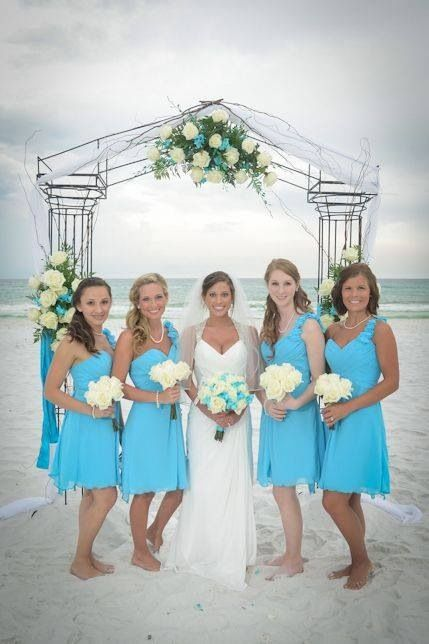 I Love The Blue Color Of Bridesmaid Dresses And Wedding Dress 3