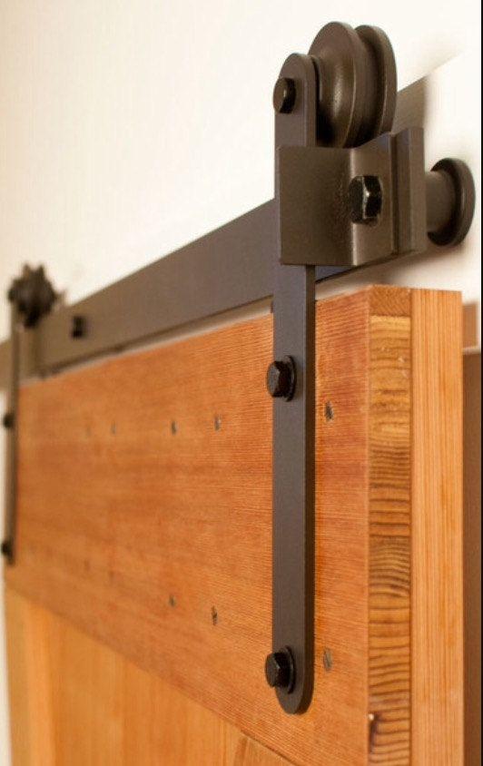Hardware De Puerta Corrediza Incluye Un Desplazamiento Carril Dos Puerta Paradas Dos Correas Ru Sliding Doors Interior Sliding Door Hardware Barn Doors Sliding