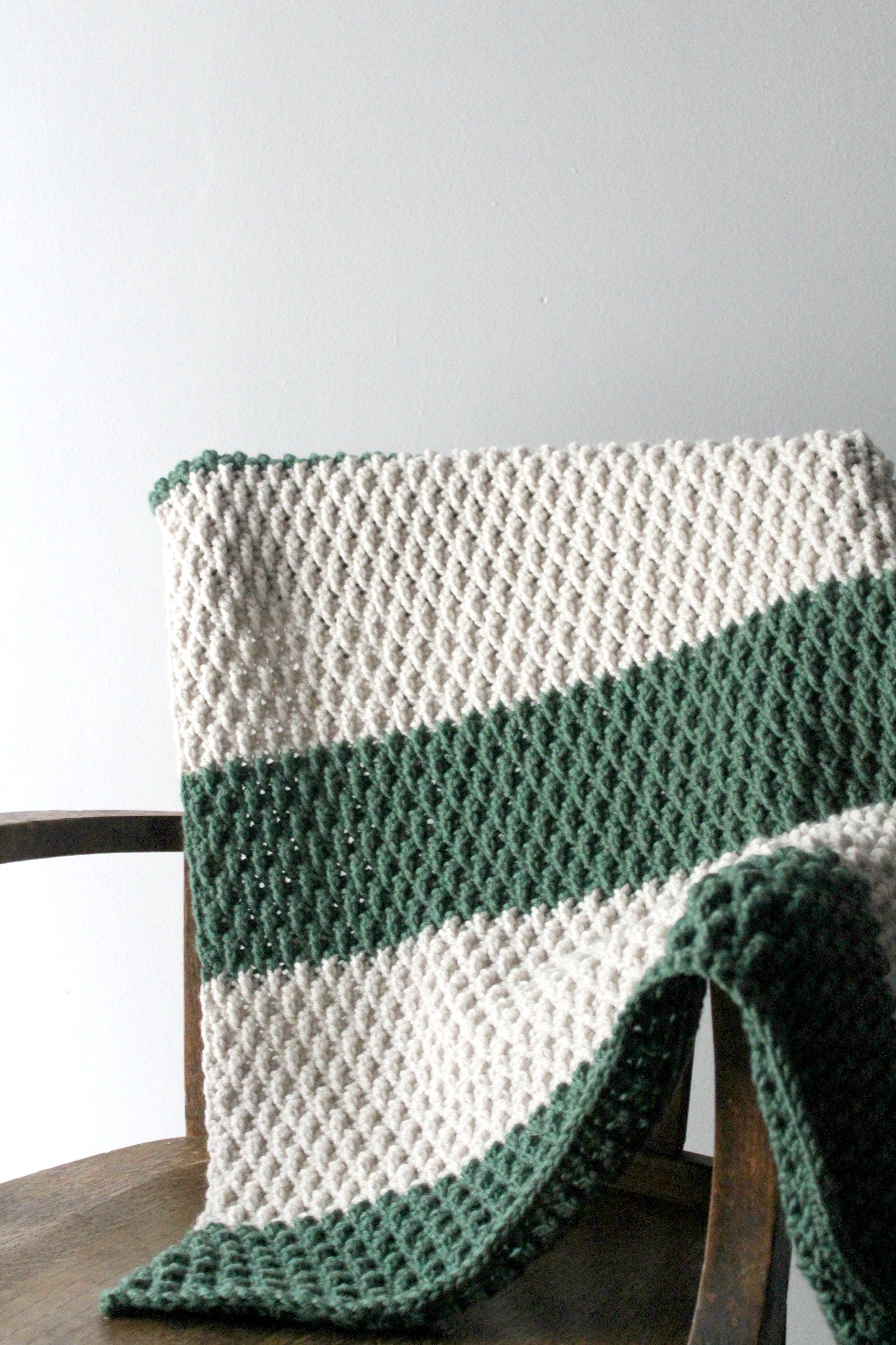 Are you ready for the most perfectly textured blanket for Fall? Then ...