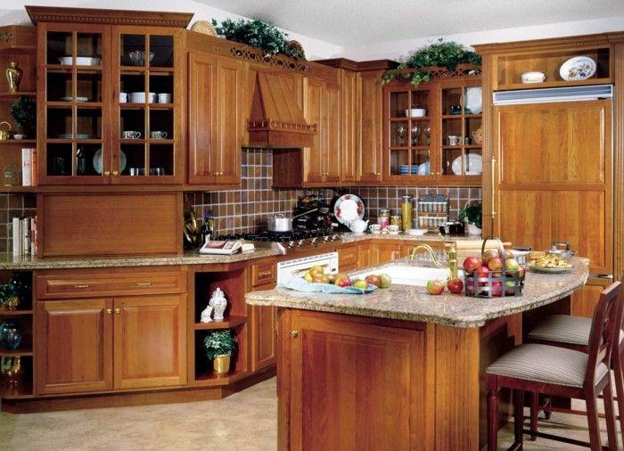 holzküche gemütliche kleine küche kochinsel heller bodenbelag - kleine küche mit kochinsel
