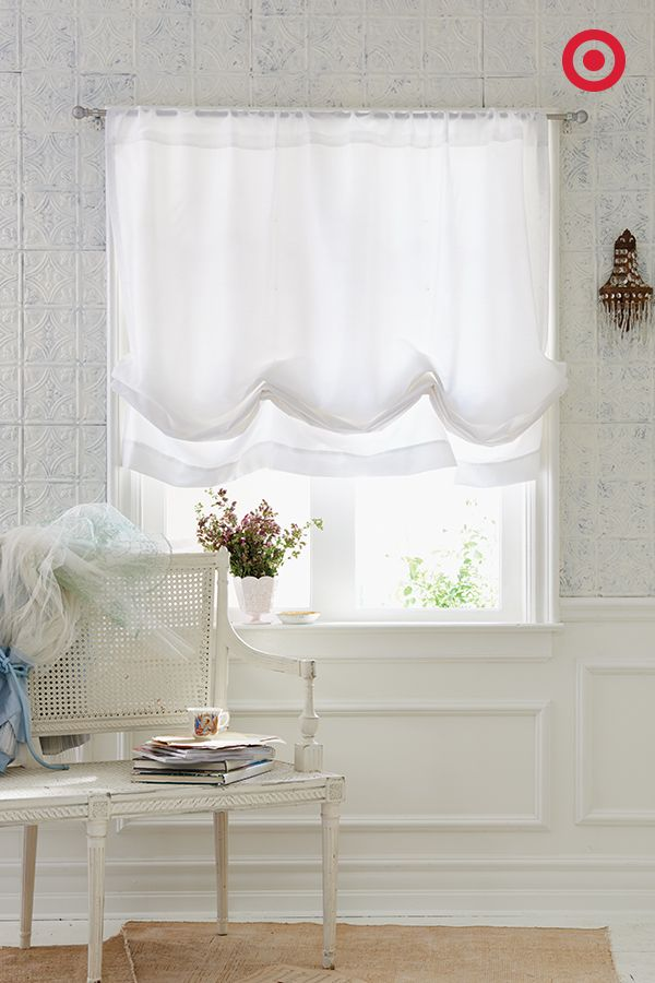 This Airy Roman Shade From Simply Shabby Chic Pairs Perfectly With The Stitched Quilt And Adds Anoth Simply Shabby Chic White Shabby Chic Shabby Chic Bathroom