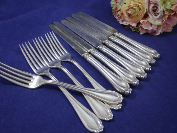 Vintage Community Silver Triple Plus - Dinner Forks and