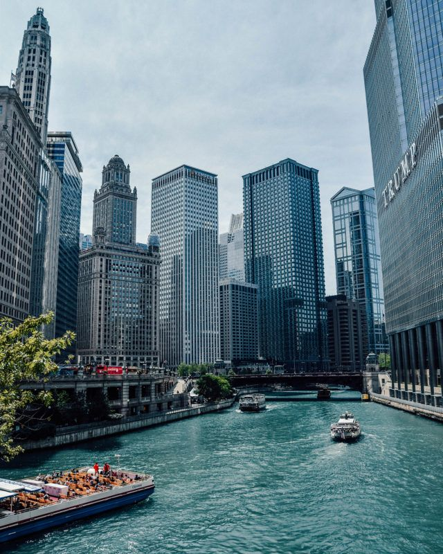 Is it your first time in the Windy City? Find out the coolest things to do in Chicago for first-timers. All these activities will guarantee you an unforgettable time! #chicago #illinois #usa #windycity
