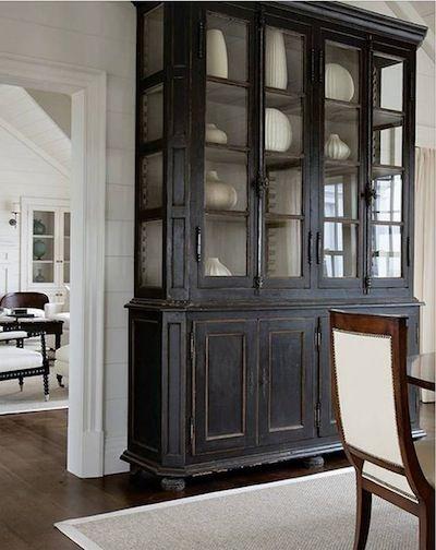 armoire vitr e deco maison pinterest armoires meubles et meuble noir. Black Bedroom Furniture Sets. Home Design Ideas