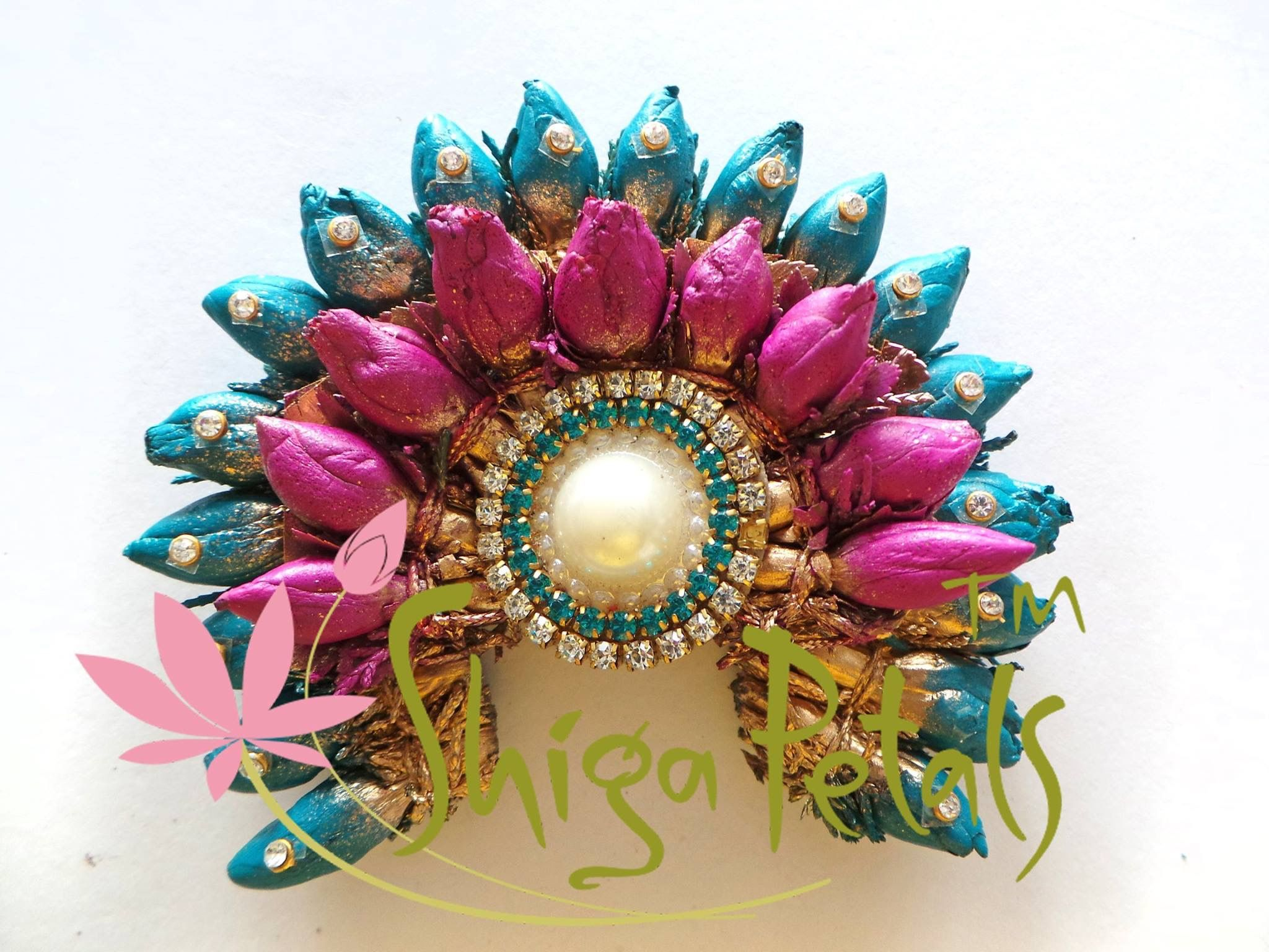 Mehndi Flower Garlands : Pin by asha latha on floral venis garlands jada and