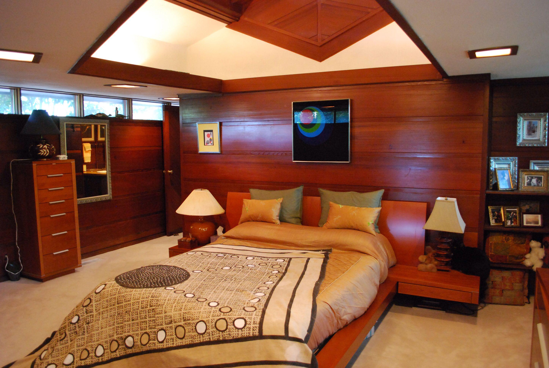 A Frank Lloyd Wright Interior Design. | Modern bedroom ...
