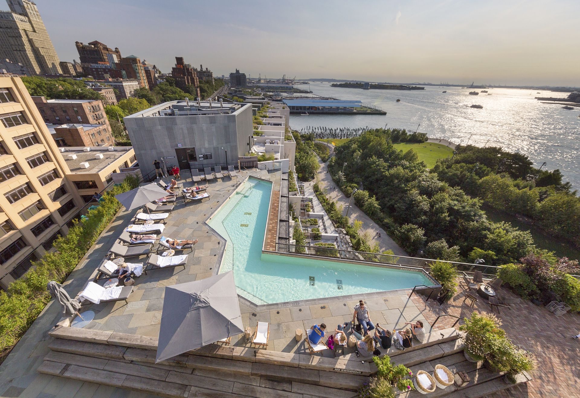 Pierhouse And 1 Hotel Brooklyn Bridge Marvel Architects Toll Brothers Sh Group Rooftop Bars Nyc Pier House Best Rooftop Bars