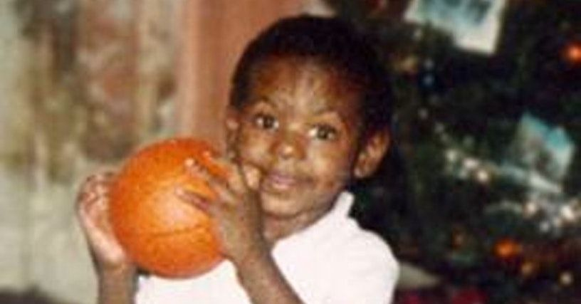 18 Pictures of Young LeBron James in