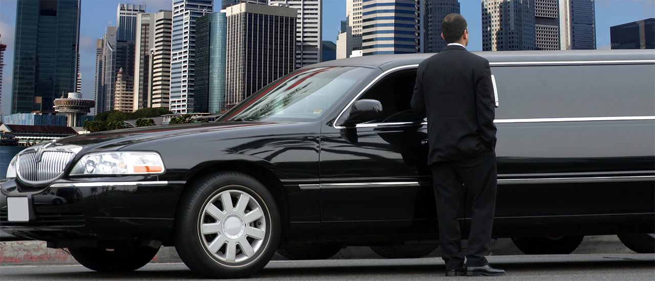 Dxb Limousine Provides You The Best Car Rental Services In Dubai With Years Of Expertise In Providing Luxury Chauffeurs In Du Limousine Limo Chauffeur Service