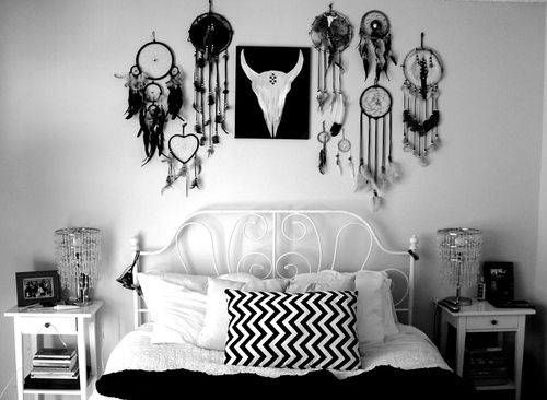 Bedroom Decor Black N White black n white bedroom, dream catchers, skull | bedroom | pinterest