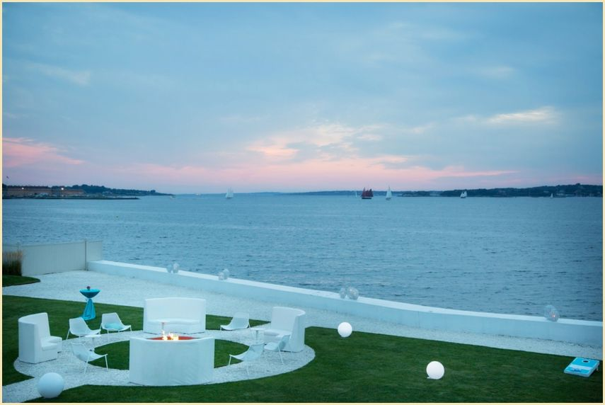 AFR Lounge furniture- Continental collection.  Belle Mer/Person & Killian photography