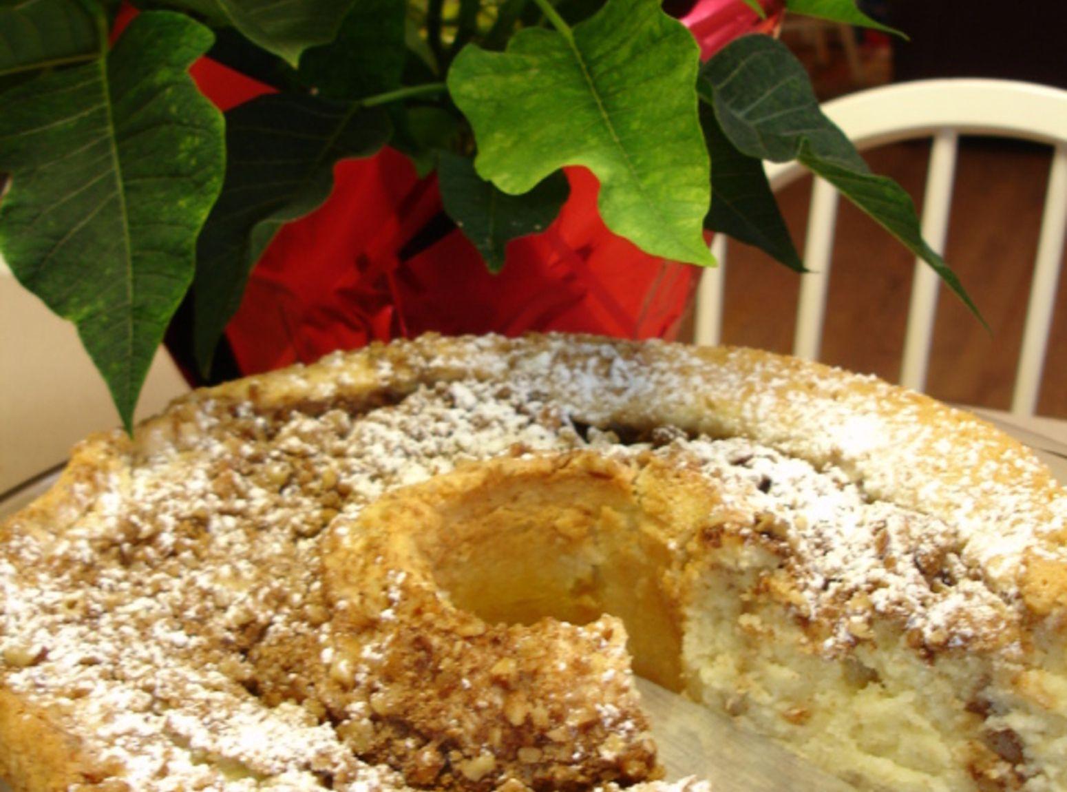 Sour Cream Coffee Cake Recipe 6 Just A Pinch Recipes Coffee Cake Sour Cream Coffee Cake Coffee Recipes