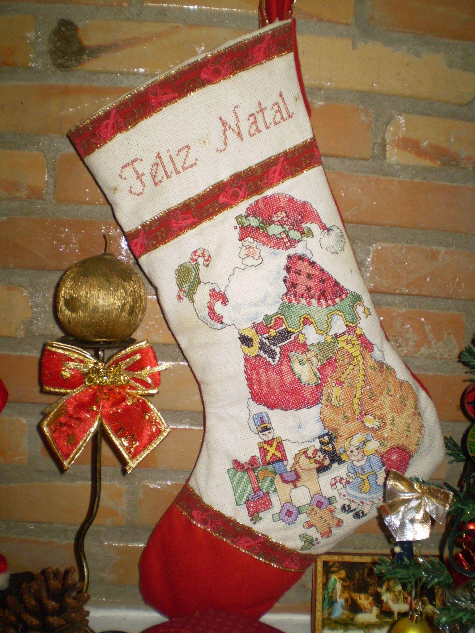 Bota de Natal em feltro e ponto cruz
